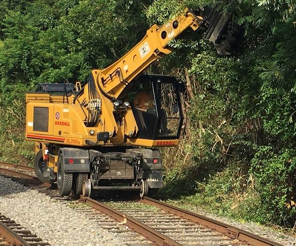 Railroad Equipment Rental | Rhinehart Railroad Construction, Inc